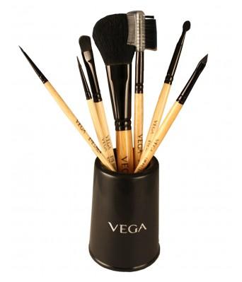 Vega Set of 7 Brush