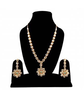 Aradhya Traditional Kundan Necklace set with earring  for Women